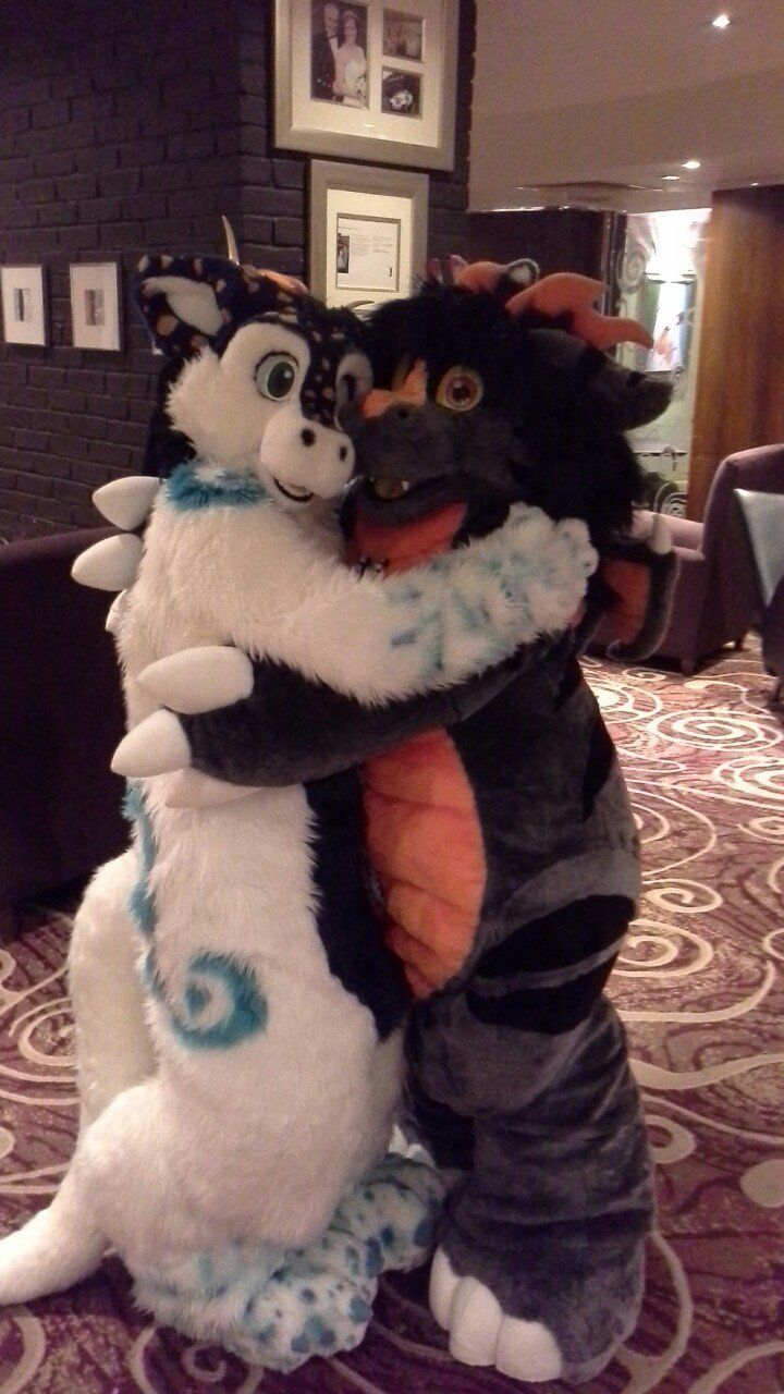 """fursuitpursuits: """"RT @VeniceSprings: My favourite pic from #Scotiacon2015 #Scotiacon https://t.co/b2hdRV7VJH (Source) """""""