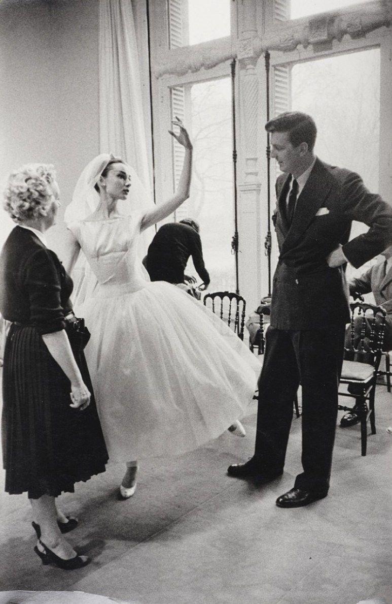 Audrey Hepburn & Givenchy's Unique Relationship | Audrey hepburn givenchy, Audrey hepburn, Audrey hepburn dress