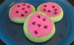 "Super easy ""watermelon"" cookies. Perfect for a summer picnic or BBQ"