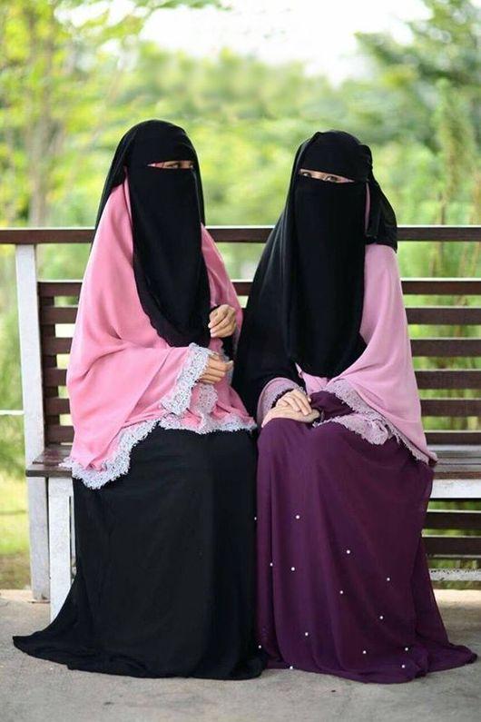 قوله تعالى وليضربن بخمرهن على جيوبهن النور 31 والتفسير روى الإمام البخاري عن السيدة عائشة رضي الله عنها قالت ل Niqab Arab Girls Hijab Muslim Beauty