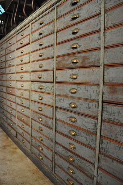 Antiquités et objets de décoration anciens