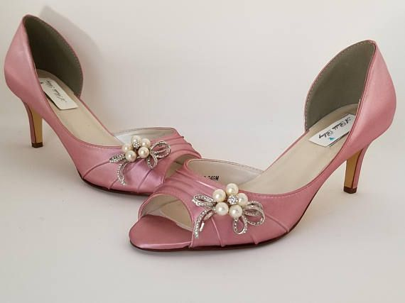 Dusty Rose Wedding Shoes With A Sparkling Crystal And Pearl Bow Design Perfect Shoes For Your Special Day The Lis Bridal Shoes Bridesmaid Shoes Wedding Shoes