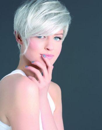 Coloration cheveux gris femme