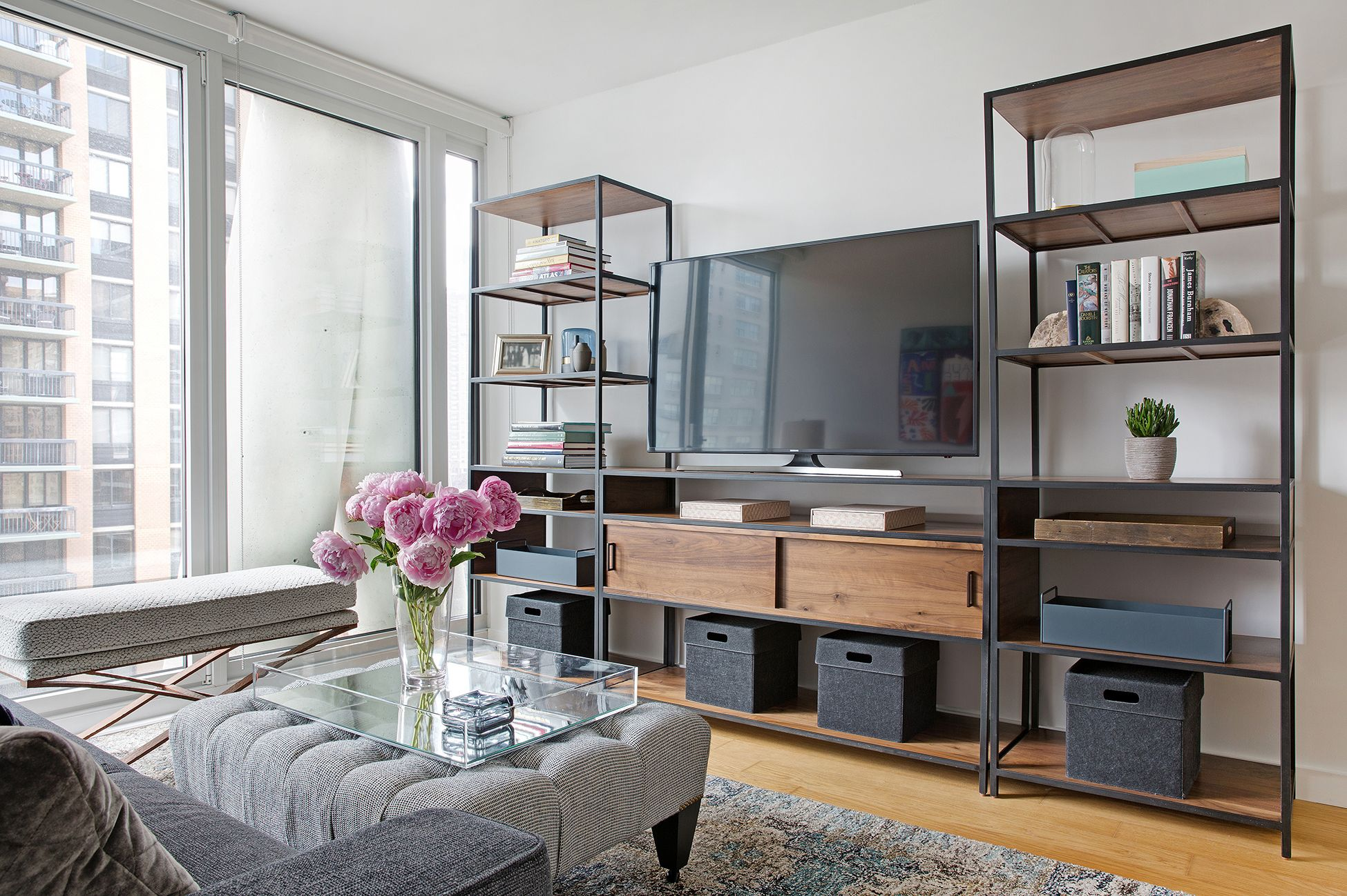 A New York City Apartment Gets An Interior Design Upgrade Decor Aid Woonkamer