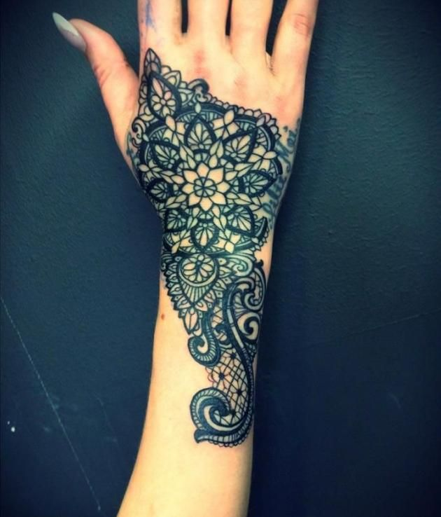 hand tattoo henna designs spitze muster tattoos pinterest tattoo hennas and tatting. Black Bedroom Furniture Sets. Home Design Ideas