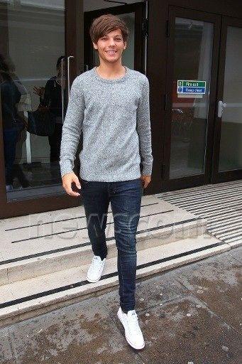 Louis leaving the studio
