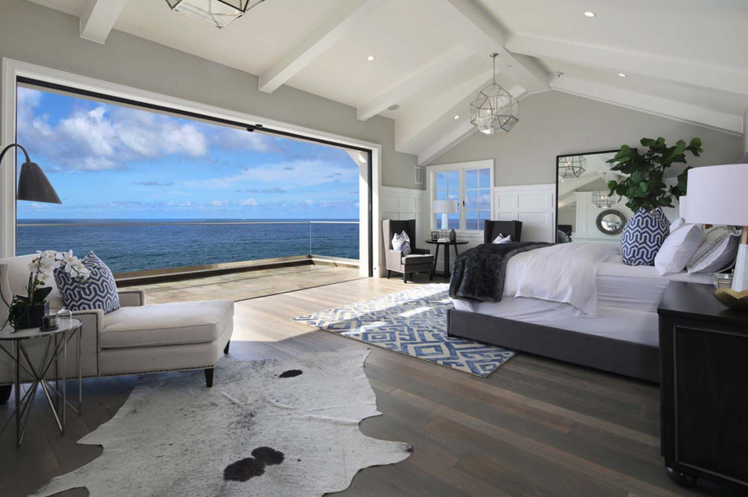 Photo of Southern California beach house with a fresh take on casual decor