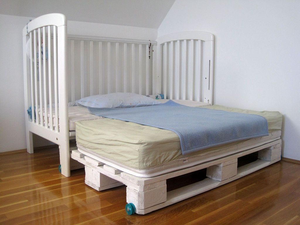 DIY kids palette bed XXL upgrade #furniture #upcycle #reuse