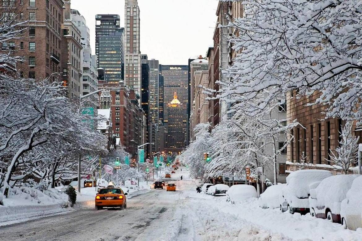 My Favorite Workouts My Lunchbox For Nate And The Facial Gua Sha Tool New York Snow New York Winter City Wallpaper