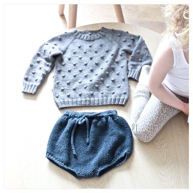 New in! To nye plagg på to dager! hurra for bestemor og mamma #strikk #sommerstrikk#helårsshorts#popcornsweater#bestemorstrikk#mammastrikk #merinostrikk#kløfristrikk#slikvilikerdet#knit#knitted#merinoknit#knitsforkids