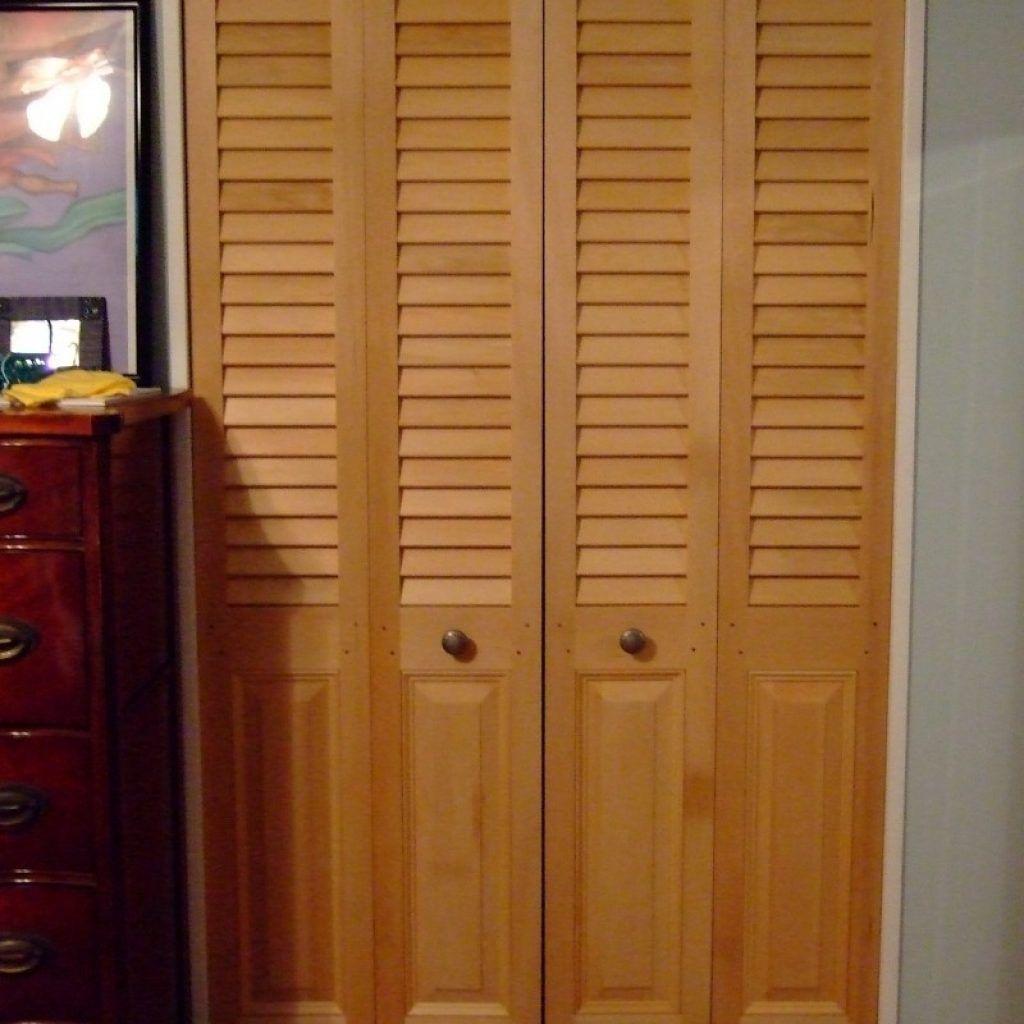 Wood Louvered Sliding Closet Doors Httpsourceabl