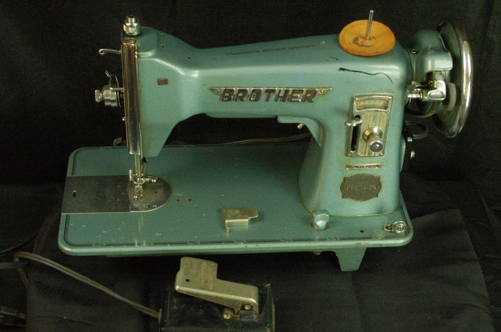 US $225.00 Used in Collectibles, Sewing (1930-Now ...
