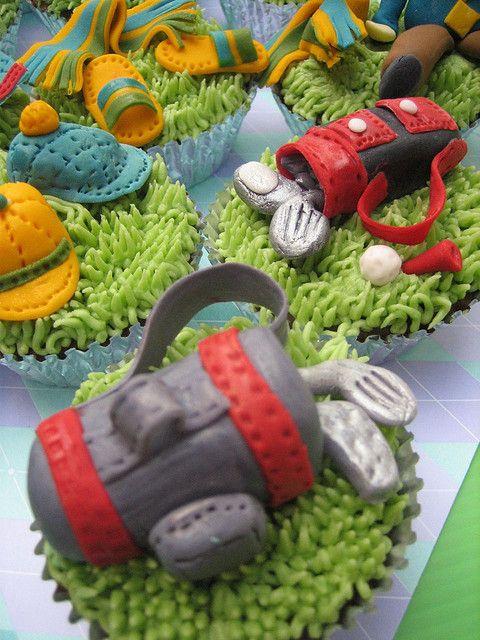 Cute golf club cupcakes