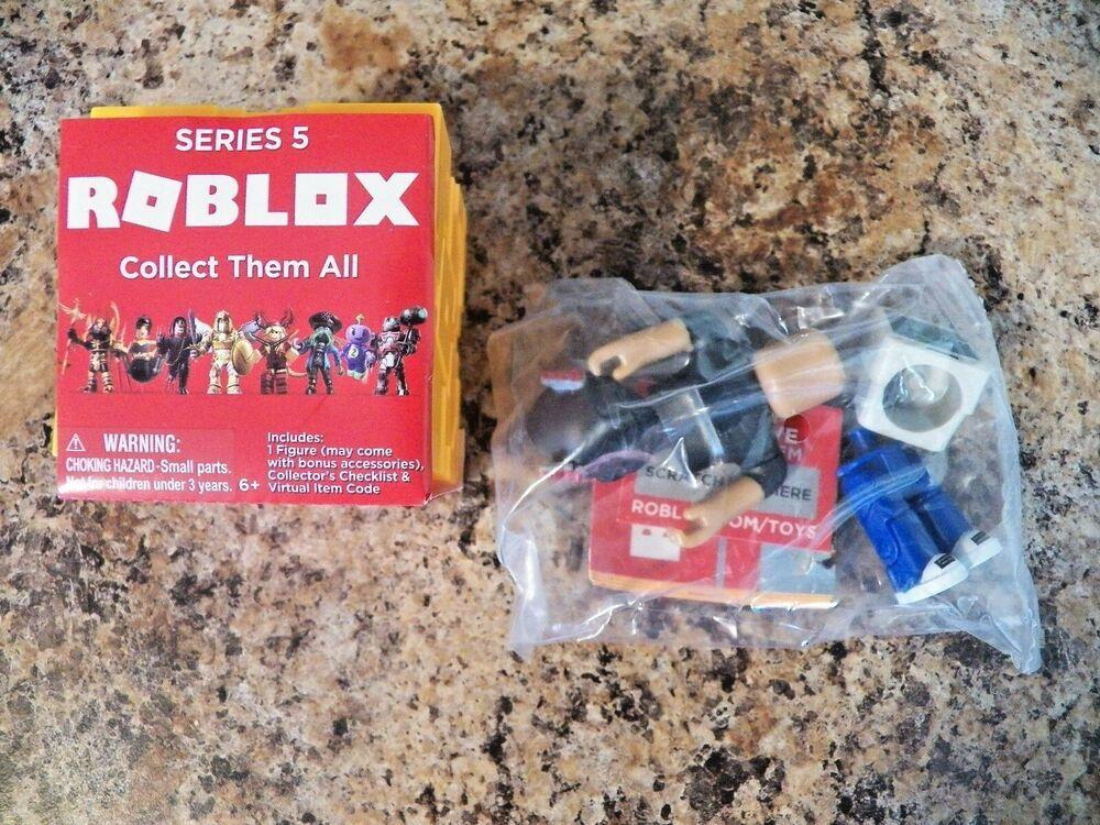 Bombo ROBLOX Mini Figure w// Virtual Game Code Series 4 NEW