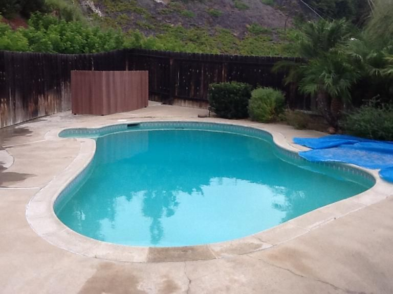 17 500 gallons of recycled swimming pool water pools we for Swimming pool aufstellbar