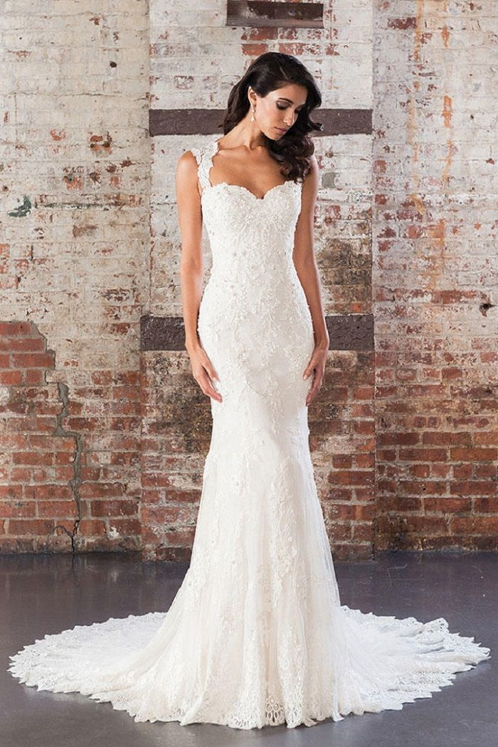 Justin Alexander Signature Spring 2017 Wedding Dresses | Sequin Beaded Lace Fit and Flare Gown with Open Back | itakeyou.co.uk #weddingdress #weddingdresses #ballgown #wedding #ivoryweddingdress #ivory #bride #bridalgown #justinalexander