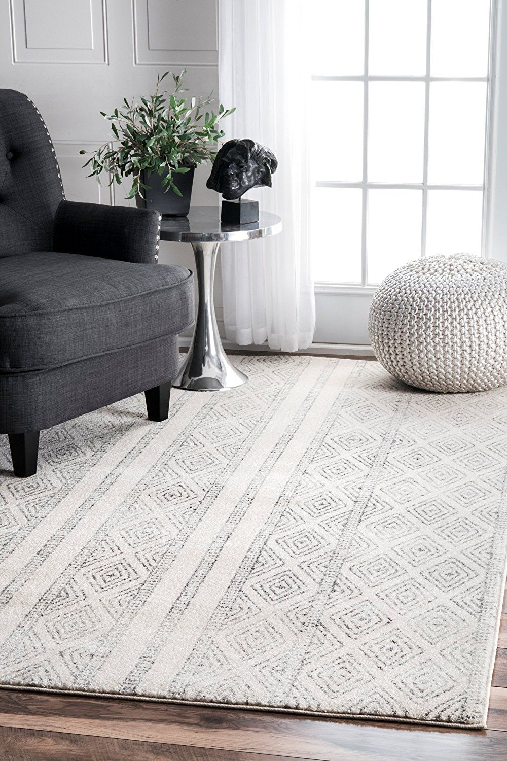 Helpful Tips To Help You Find The Perfect Farmhouse Style Rug For Your Home Grey Geometric Rug Grey Area Rug Rugs In Living Room