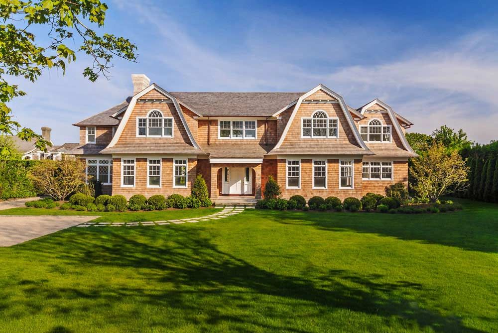Wainscott hamptons cape cod dream homes luxury mansions for Cape cod luxury homes
