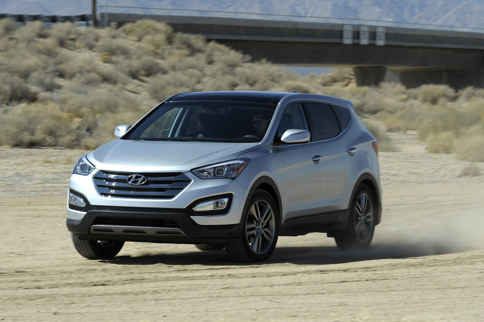 Hyundai Reveals 2013 Santa Fe Sport and Santa Fe LWB for