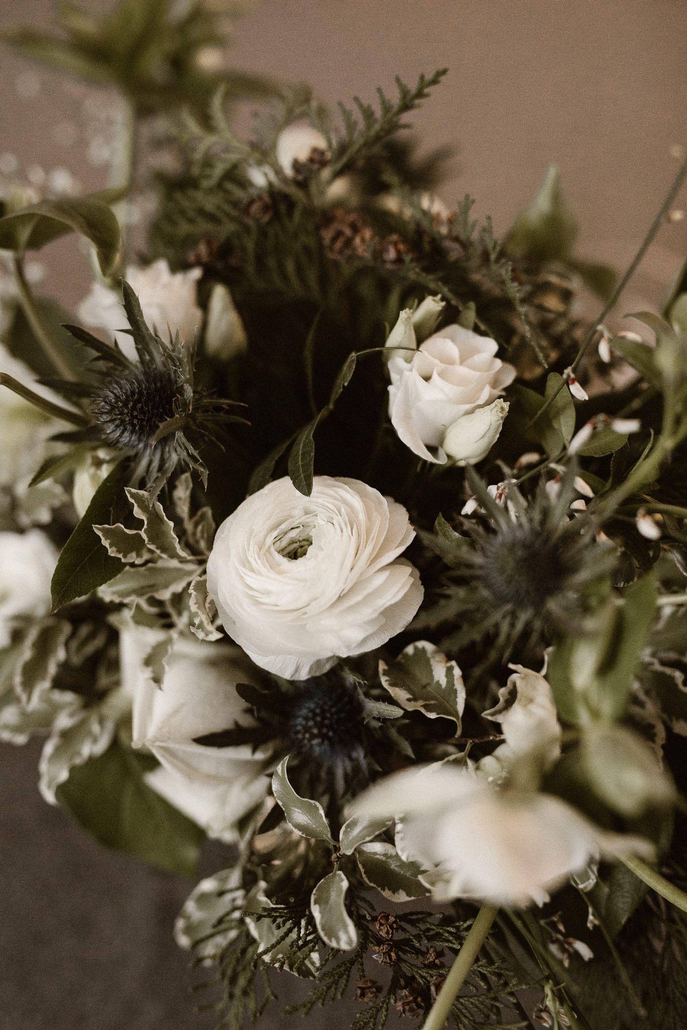 Inna Studio Winter Wedding Flowers For The Winter Wedding White Gold Green White And Wedding Bouquet Winter Wedding Bouquet Winter White Green Bou Plants Studio