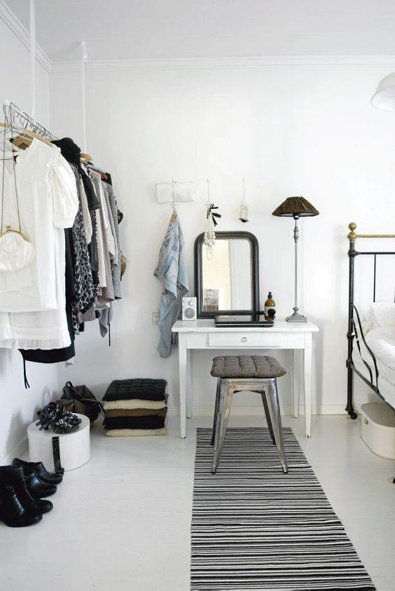 Los muebles de almacenamiento abiertos añaden espacio de ...