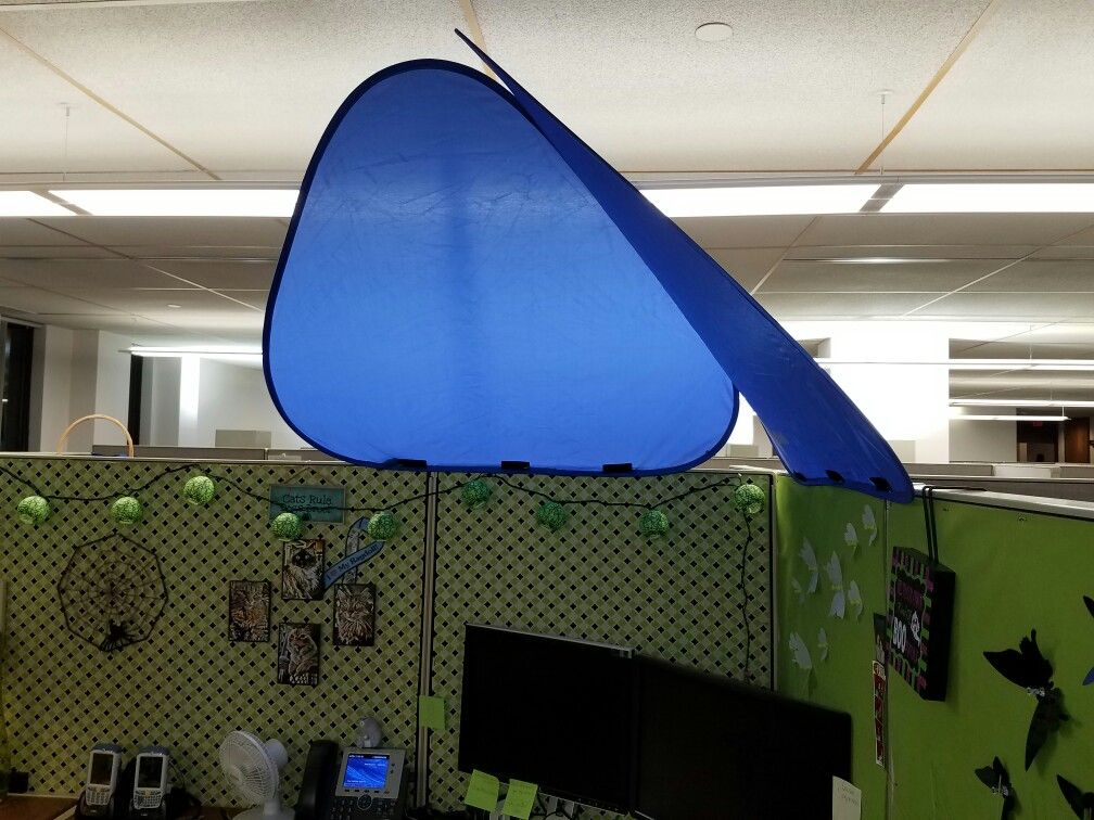 New Addition To The Cubicle Today After Led Overhead Light Install Office Cubicle Office