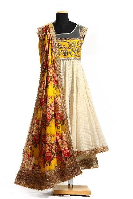 And the magic of an Anushree Reddy outfit continues. Floral yellow & white suit! #pretty #Indianwear