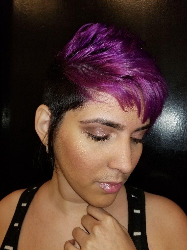 Color violeta y negro  Corte  Look de verano