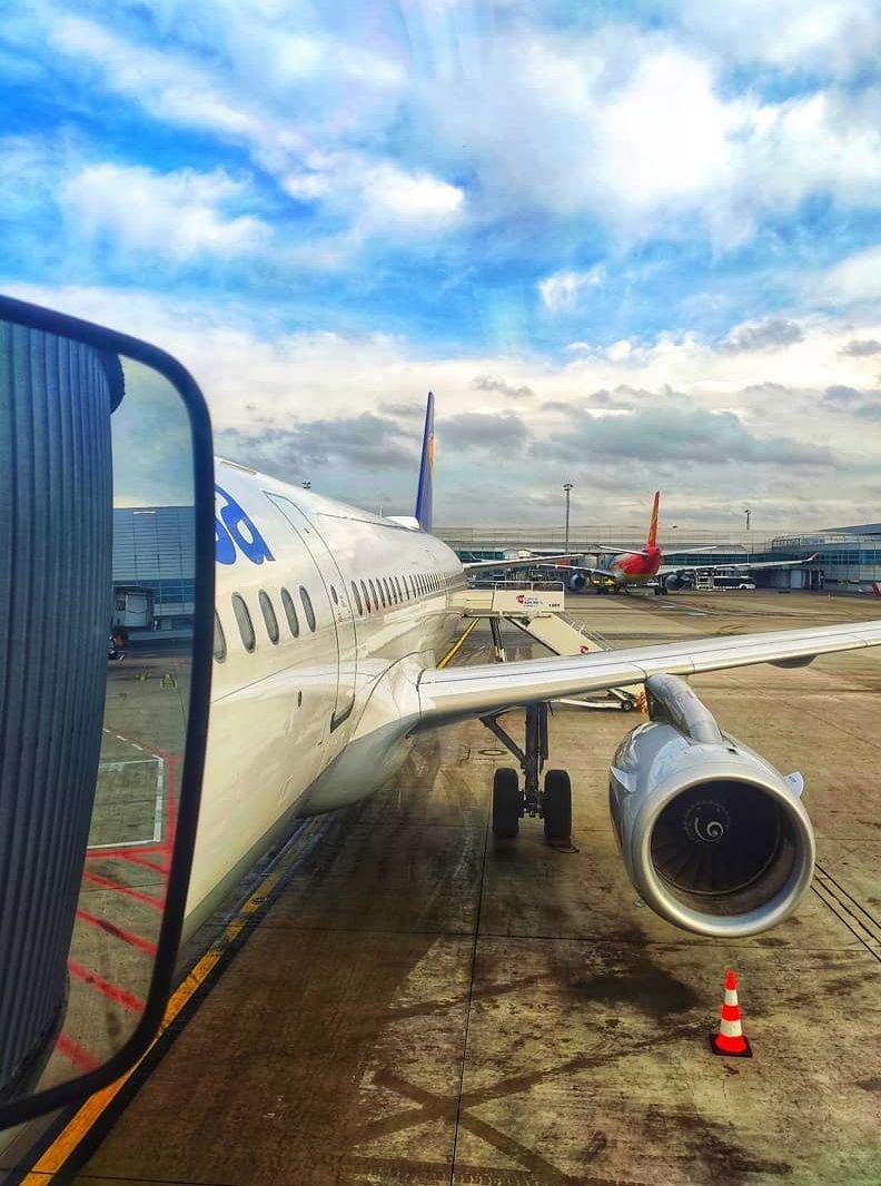 czech czechrepublic pragueairport airport aircraft