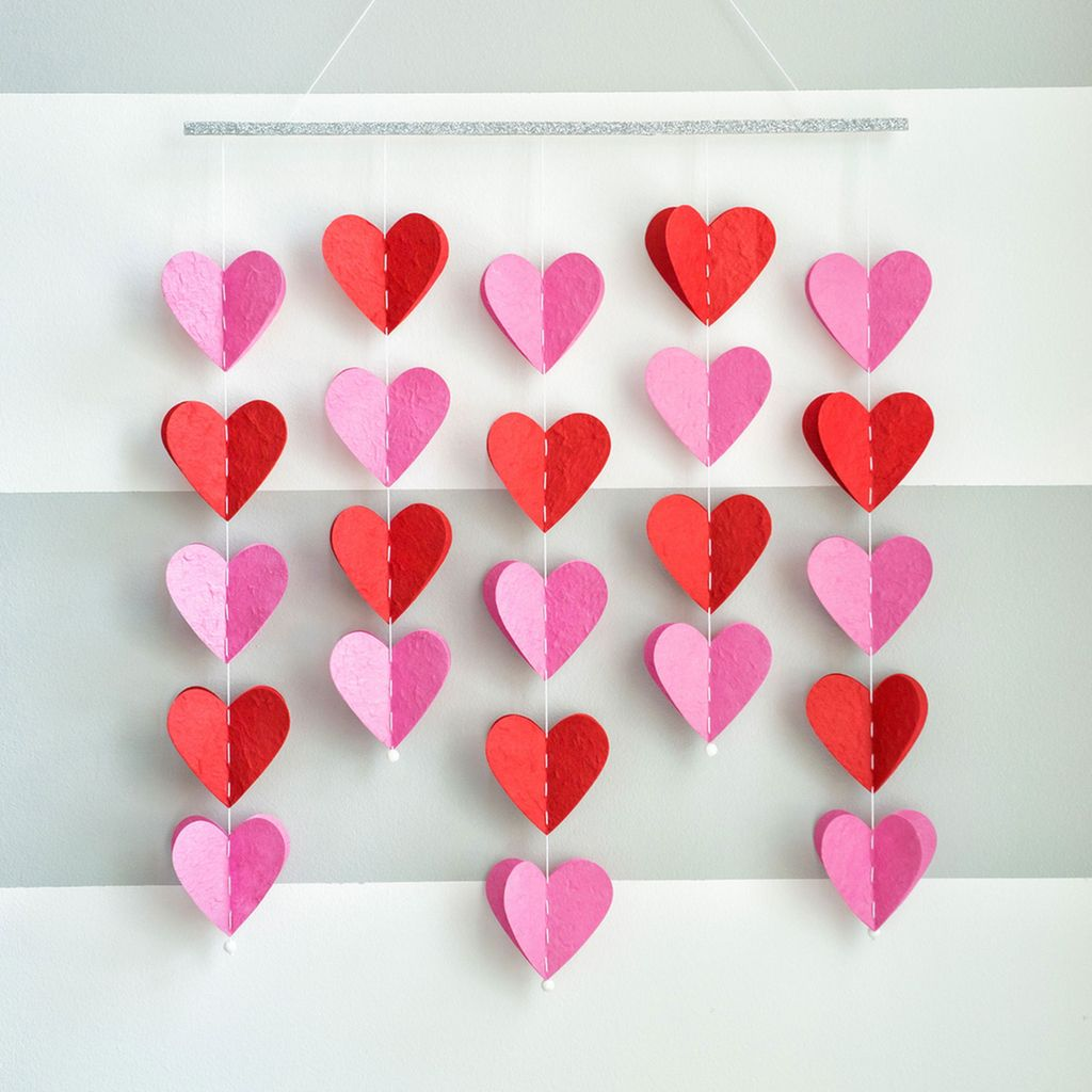 25 easy paper heart projects easy diy crafts paper hearts and 25 easy paper heart projects jeuxipadfo Choice Image