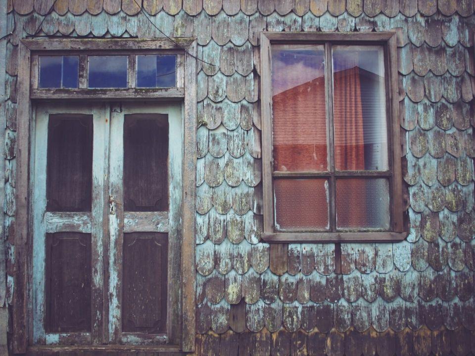 Achao Isla De Chiloe Chile Wood Tiles Tejuelas Madera Puerta Door Window Ventana Design Decor Chile