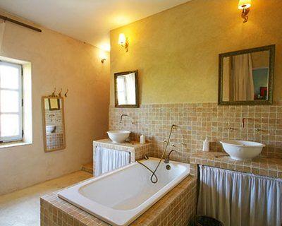 une salle de bains au charme provençale | Salle de bain | Pinterest ...