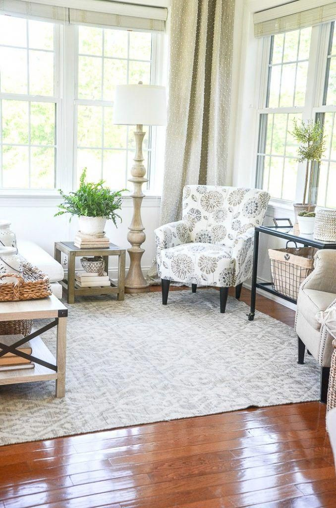 Tons of ideas in this summer home tour. Lots of extra decorating tips and over 30 images to help you get ideas to decorate your home for summer. Summer decorating should be about easy, casual and pretty decorating! #stonegable #housetour #hometour #summerhousetour #summerhometour #housebeautiful #summerdecorating ideas #summerdecoratinginspiration #summerdecoratinginspo #easysumerdecorating #easysumerdecoratingideas #summerlivingroom #summerdiningroom #sum #HomeDecorDirectTips