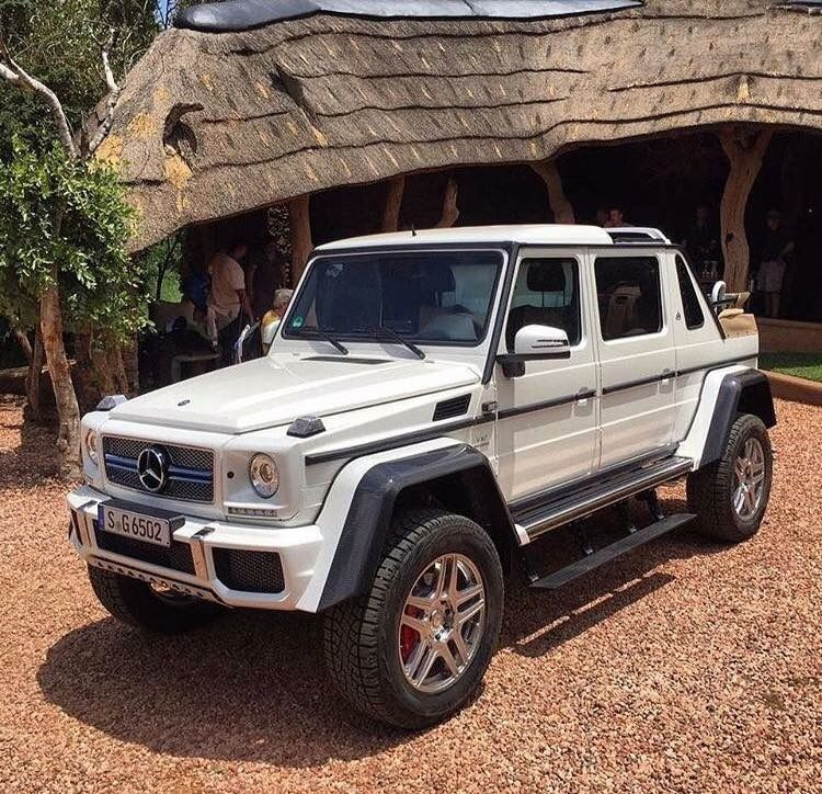 Mercedes maybach g 650 amg 4x4 landaulet v12 benz 39 s for Mercedes benz g wagon v12