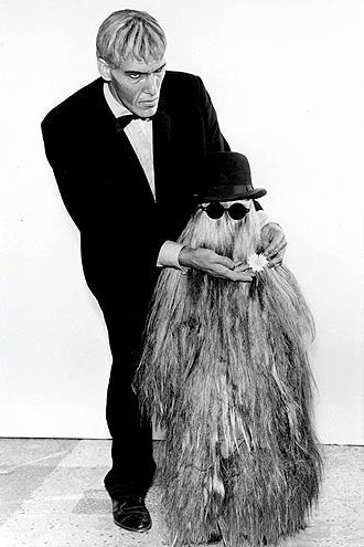 The Addams Family Ted Cassidy As Lurch And Felix Silla As Cousin It The Addams Family 1964 Addams Family Ted Cassidy