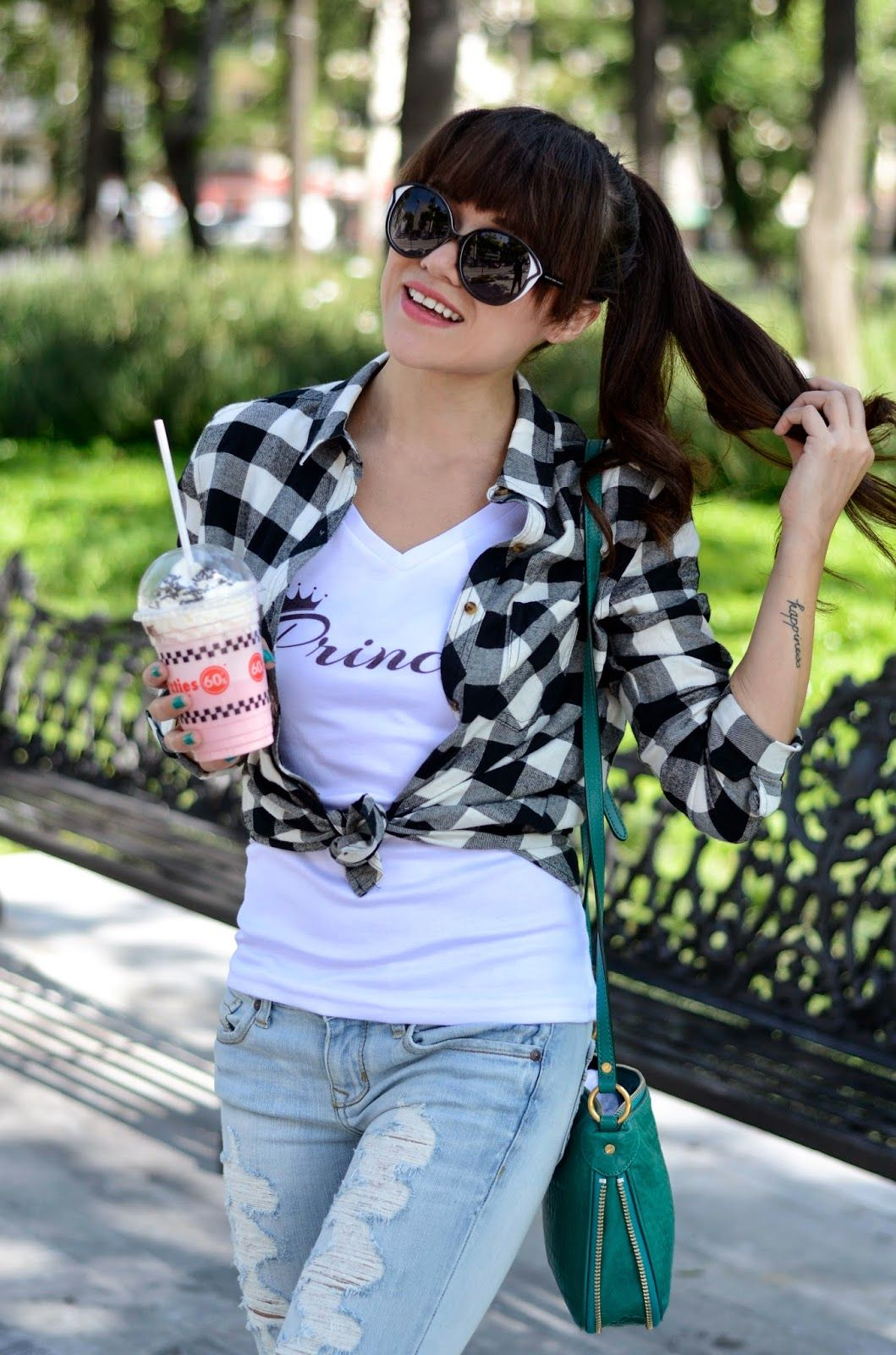 """Strawberry milkshake"" | MODA CAPITAL"