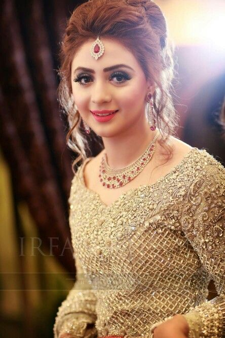 Perfect Pakistani Bridal Hairstyles Engagement Hairstyles Indian Wedding Hairstyles