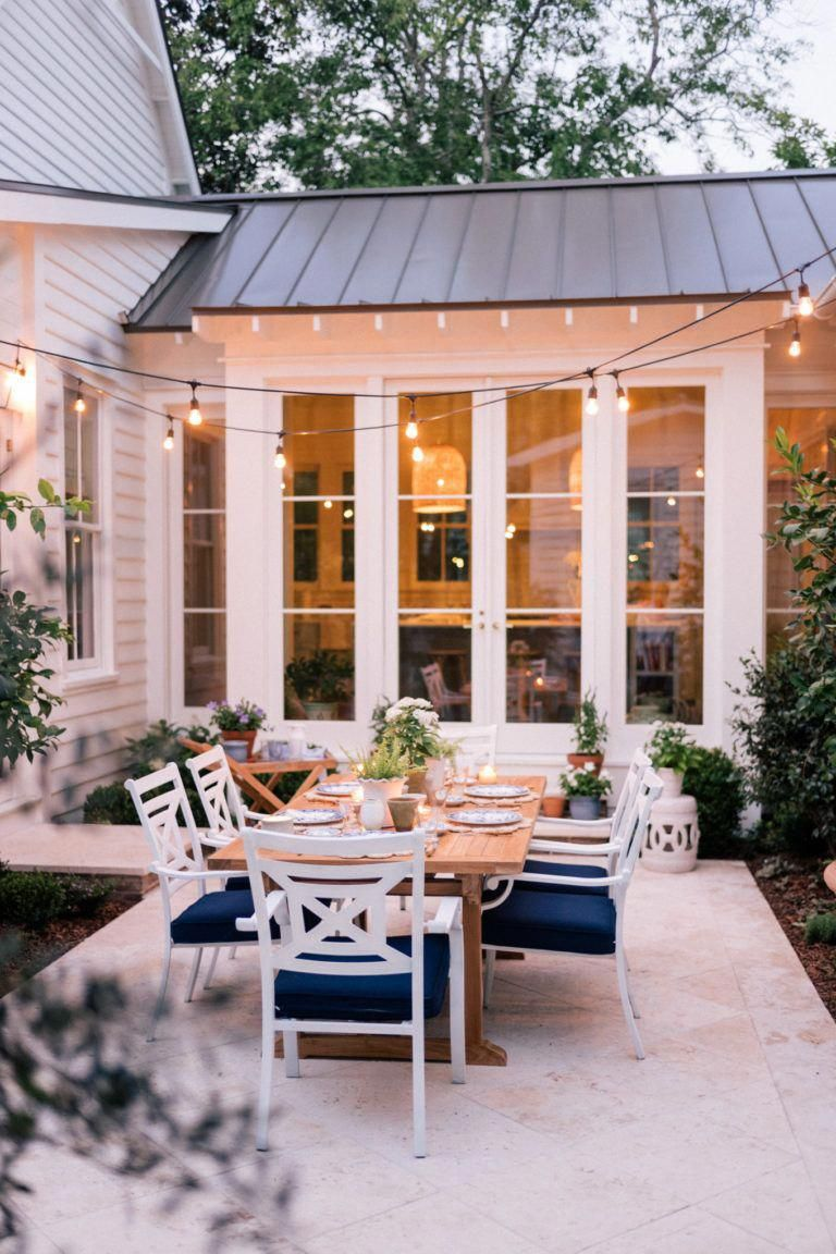 Our Back Patio Makeover Just In Time For Summer Entertaining - Gal Meets Glam #PatioIdeas