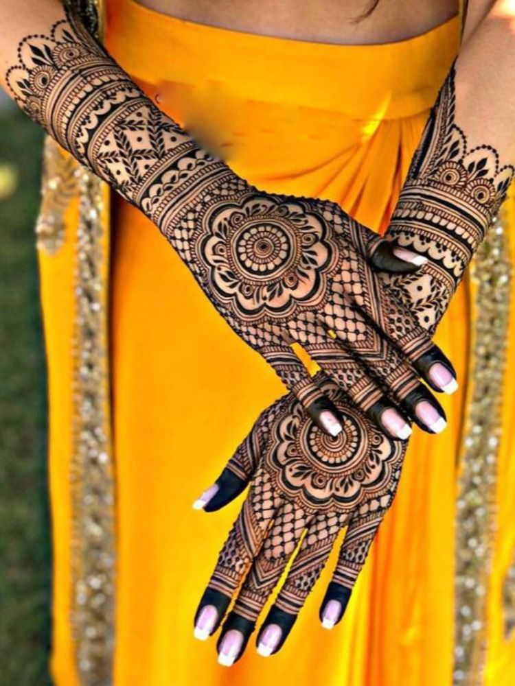 With the changing times and trends, gone are the days when people used to depend on their beloved aunties and other ladies to apply decent henna designs.#indian_bridal_mehndi_design #indian_mehndi_designs_for_hands #mehndi_design_2020 #mehndi_bridal_designs