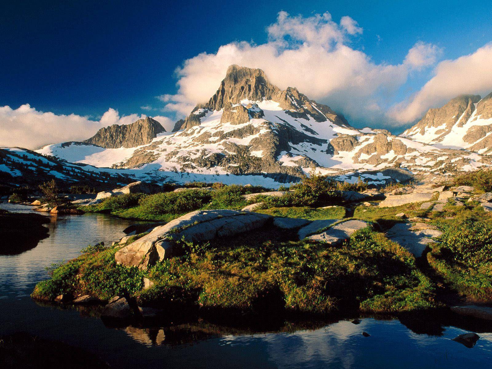Another Beautiful Scene Island Lake Ansel Adams California Travel