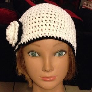 Handmade Accessories - New hat crochet with Flower