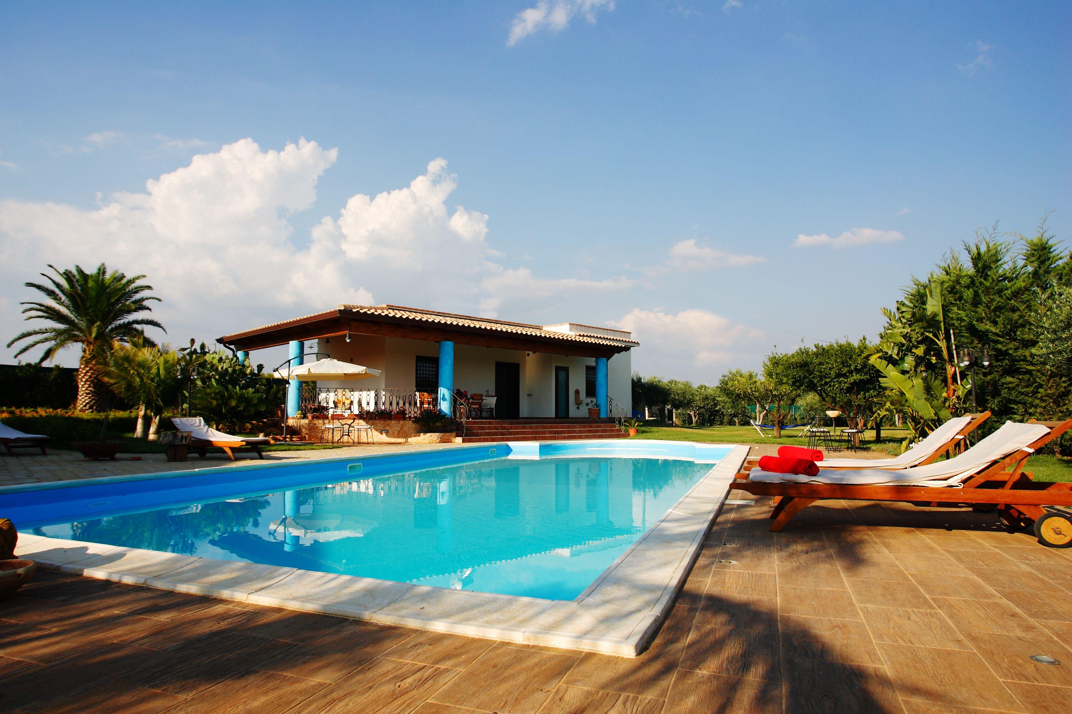 Homeaway Vacation Rentals Beach Houses Condos Cabins Villas Vacation Rental Homes Pool House Designs Beautiful Pools Swimming Pools