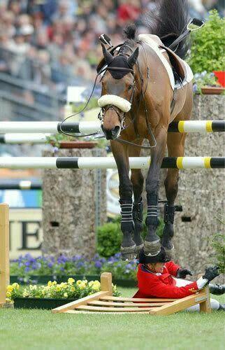 Oh, ce moment triste où vous arrêtez votre # cheval. J'aime comment il semble être ...