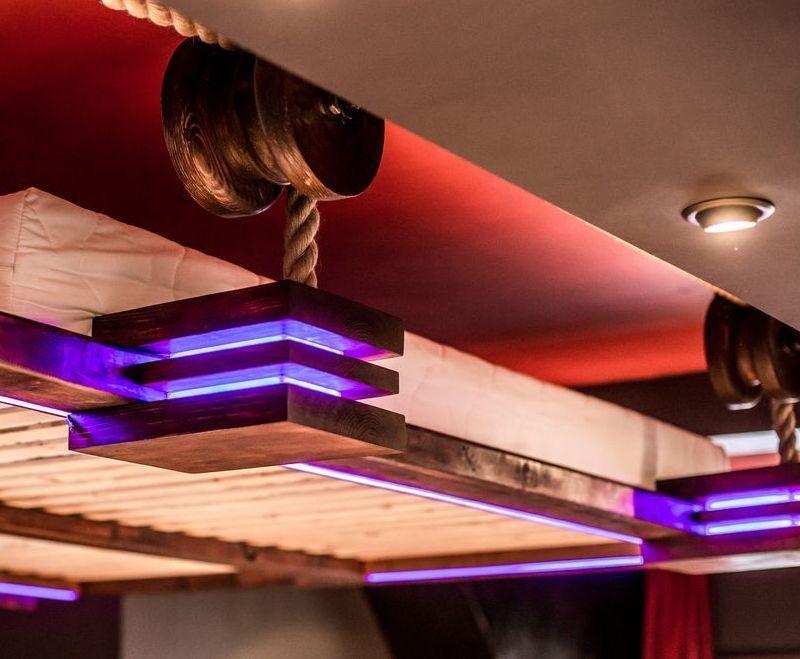 Hängebett mit Seil-Mechanismus nimmt wenig Platz an betten - hangebett led beleuchtung