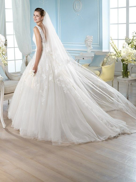 HALONA / Wedding Dresses / Glamour 2014 Collection / San Patrick (back)