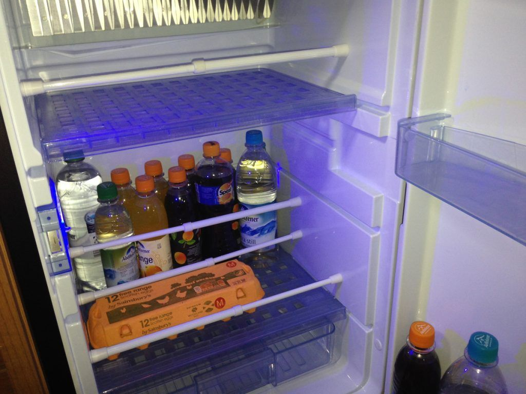 Kühlschrank Organizer Flaschen : Barkeeper macht ordnung im wohnmobil kühlschrank auch flaschen