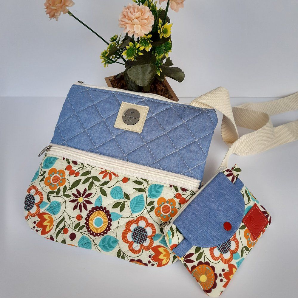 Bolsa feminina tiracolo casual tecido jeans-floral natural acompanha mini carteira