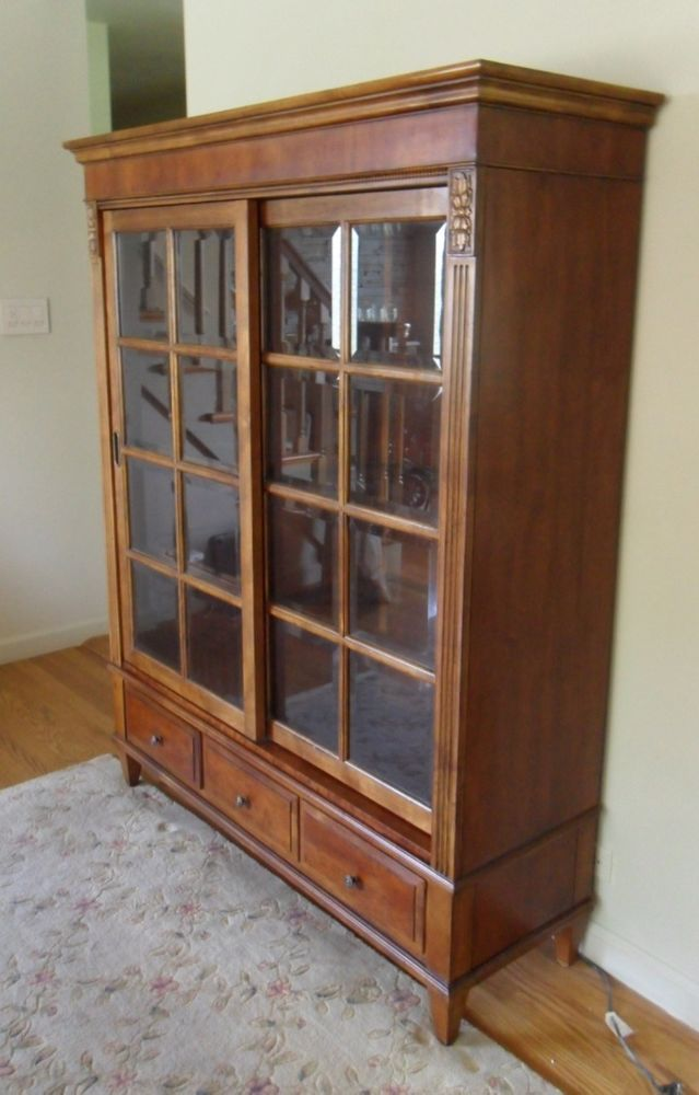 Ethan Allen Townhouse Curio China Bookshelf British Medium Wood Gl Ethlen