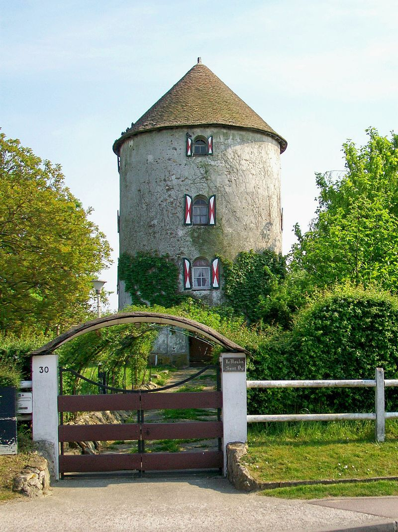 Saint-Witz (95), ancien moulin à vent.jpg
