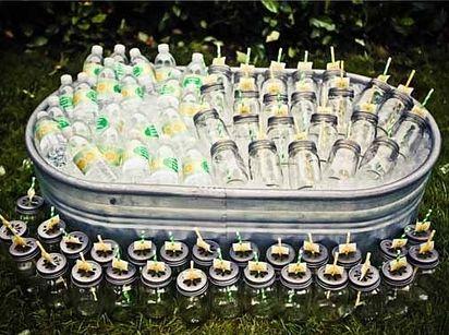82 Cute Drink Stations That Are Ready To Party. Liker de i båt, trillebåre og i stor vaskebalje(som bilde)